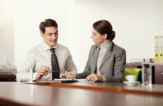Расторжение срочного трудового договора по инициативе работника согласно ТК РФ