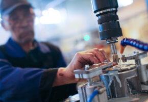 Простой по вине работодателя: оплата и пошаговая процедура оформления