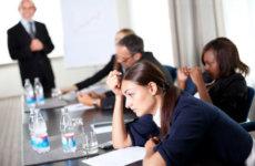 Выплаты работникам при банкротстве предприятия: кому полагаются и порядок их начисления
