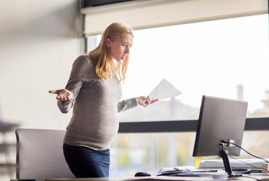 Как уволить беременную женщину по срочному договору
