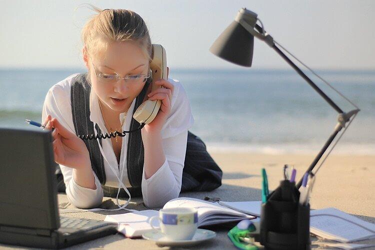 Имеет ли право работодатель уволить сотрудника нсли нет решистрации
