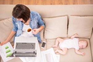 Какие выплаты положены после родов: порядок назначения и получения средств