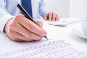 Приказ на увольнение в связи с утратой доверия: составление
