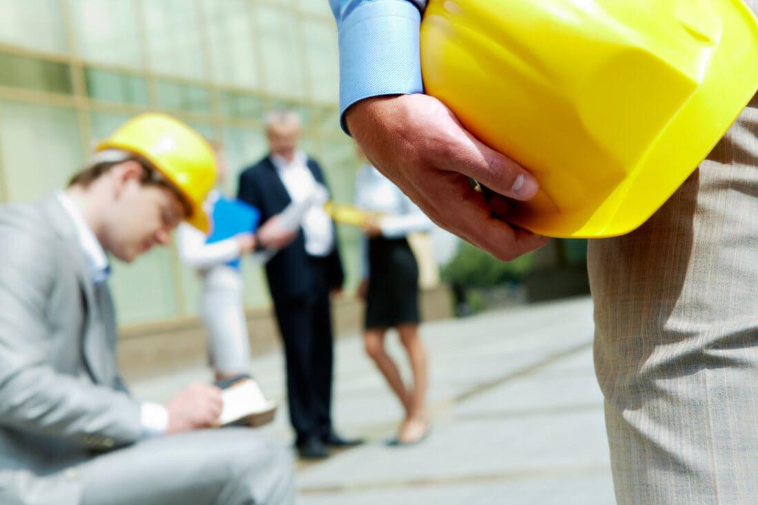 Как осуществляется вводный инструктаж по охране труда