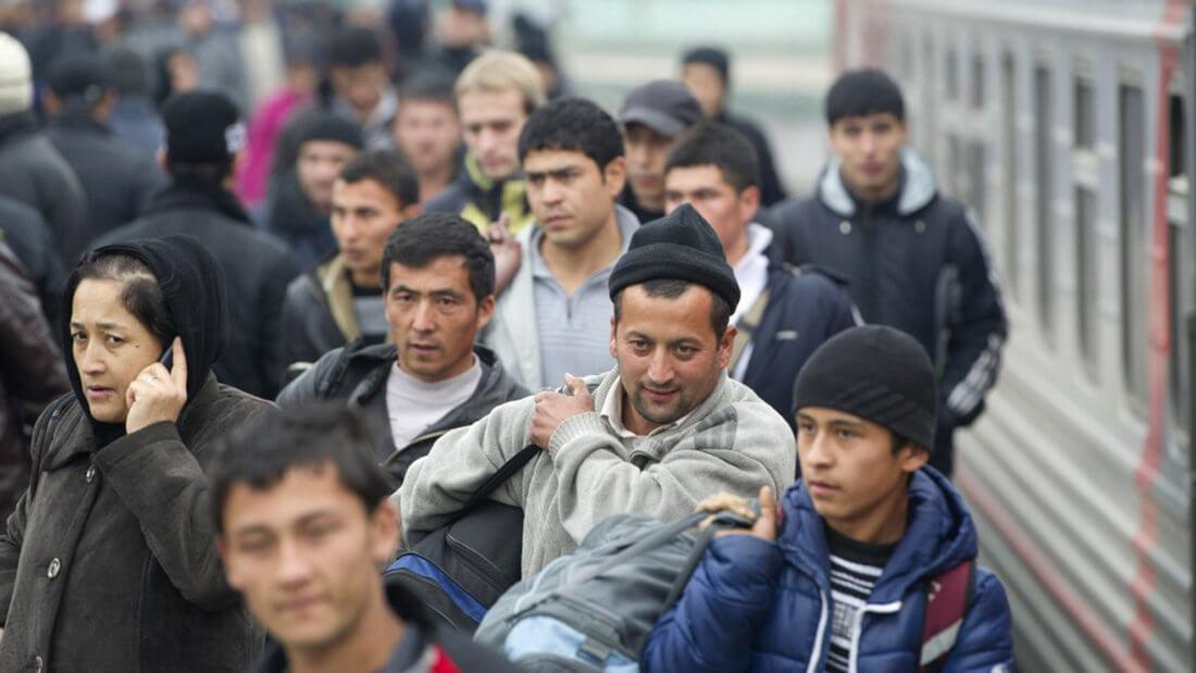 Работа в России для иностранцев и их статус