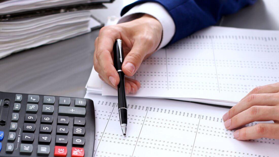 Работодатель в соответствии с трудовым законодательством обязан предоставить документы контролирующим органам