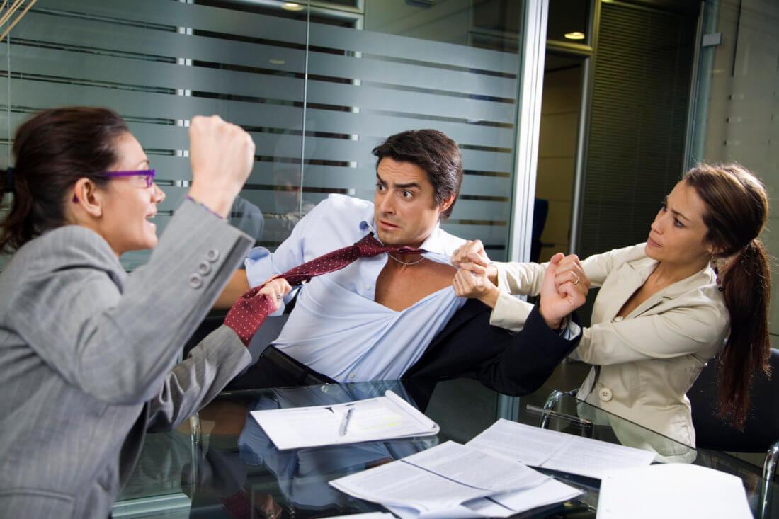 Действия работодателя в случае драки на рабочем месте
