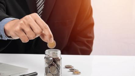 Какой аванс должен выплачиваться сотруднику, что это такое и как его рассчитать