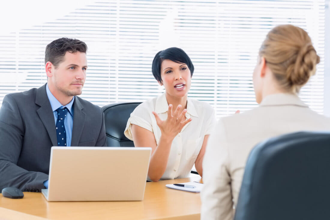 Как происходит налаживание контакта на собеседовании