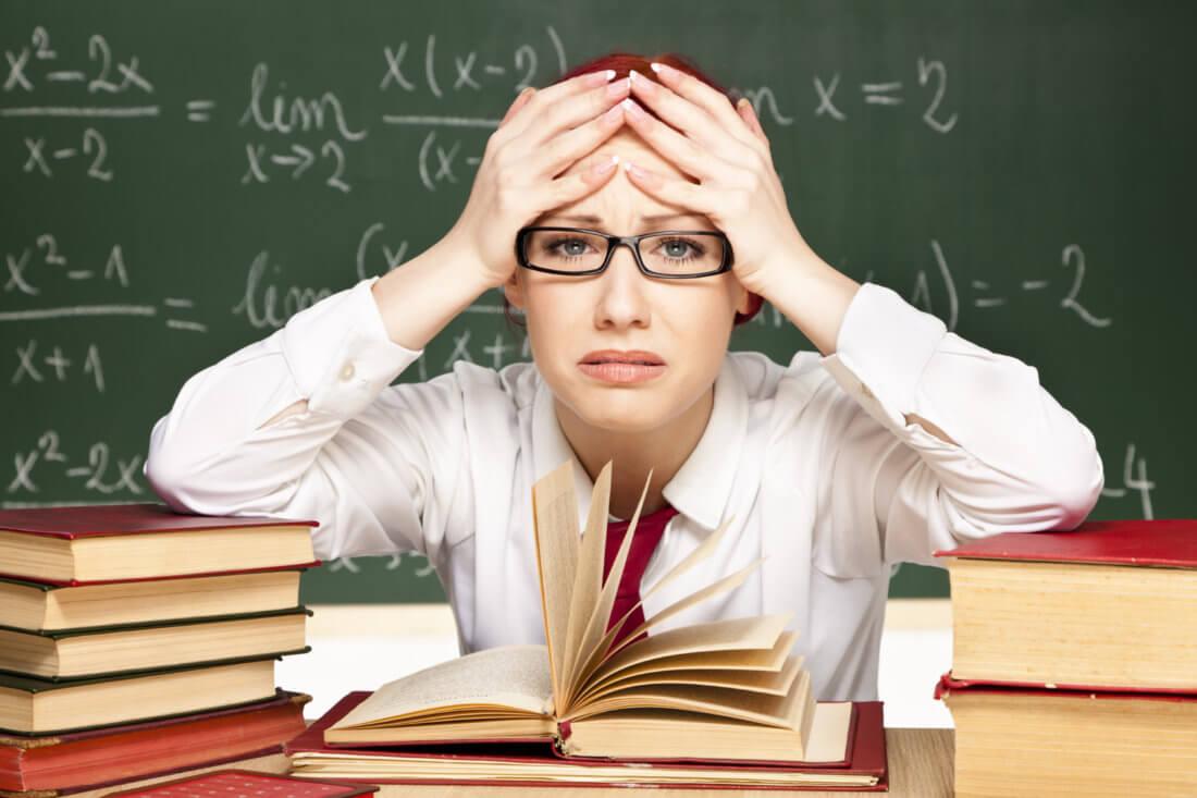 За что могут уволить учителя из школы