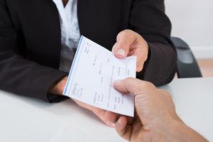 Какие гарантии положены при увольнении директора