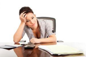 Как уволится с работы по собственному желанию, если заявление не принимают