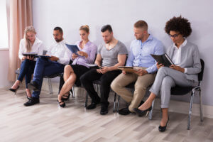 Кого поставят на учет в центре занятости