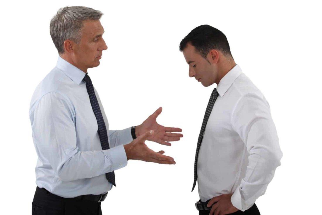 Как вынести выговор сотруднику и каковы правовые последствия выговора на работе для него