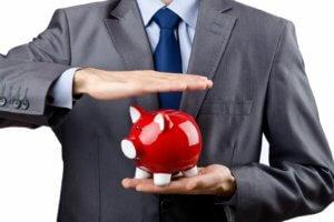 Как рассчитать выходное пособие при сокращении и какие выплаты считаются обязательными