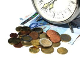 Как реализуется повременная оплата труда