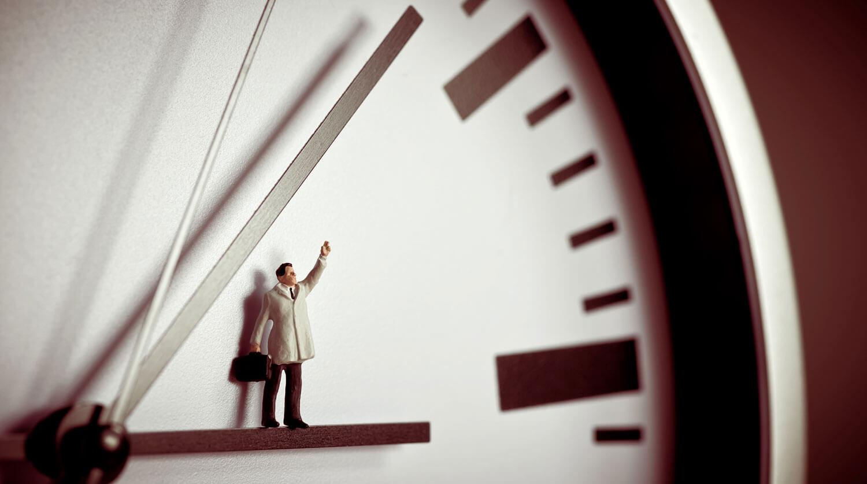 Почему используется восьмичасовой рабочий день и как его ввести на предприятии