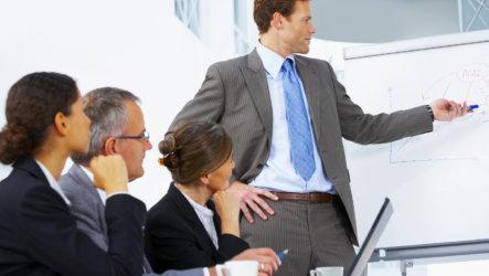 Когда в организации создают службу охраны труда и как это сделать