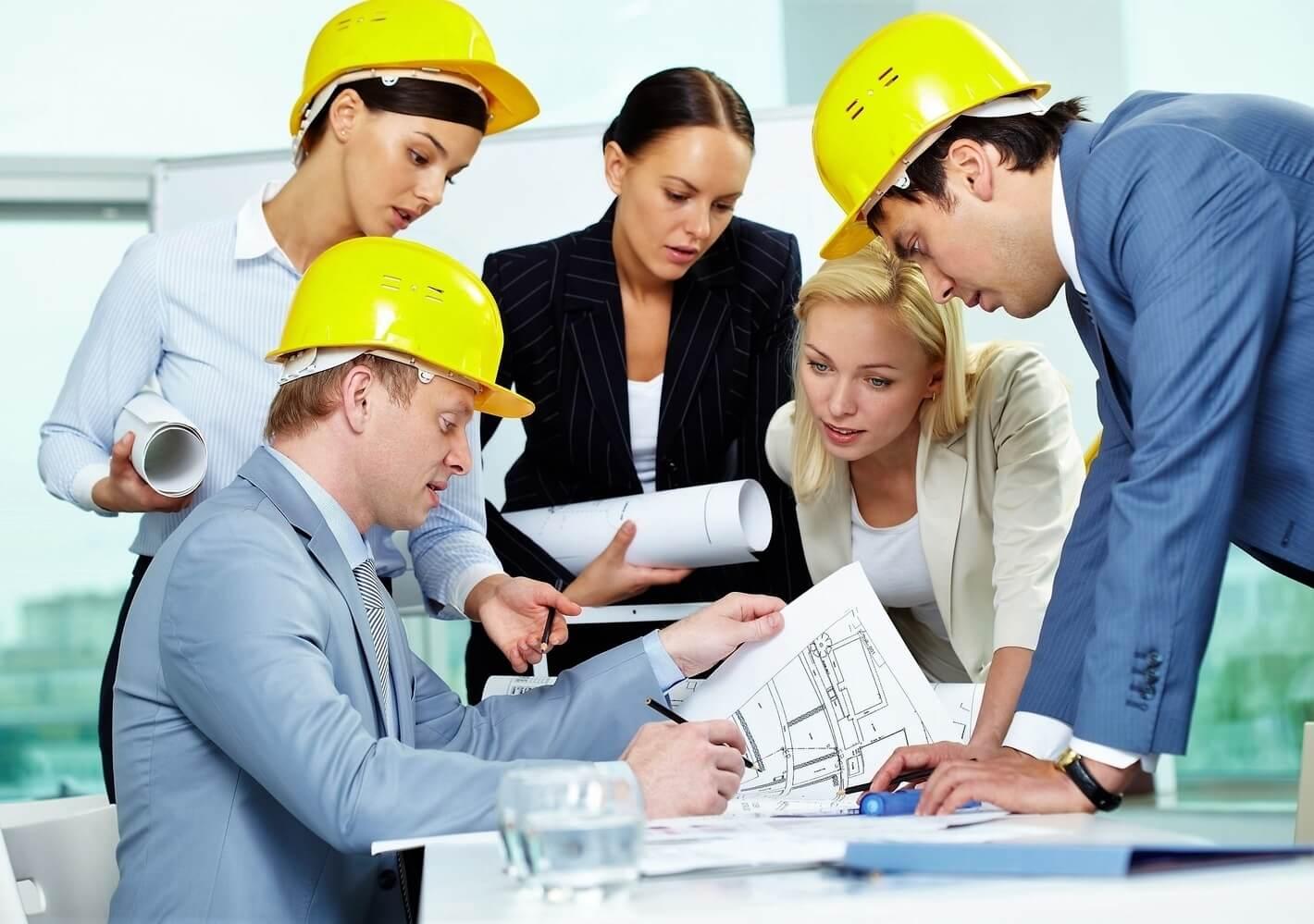 Как происходит организация системы управления охраной труда на предприятии