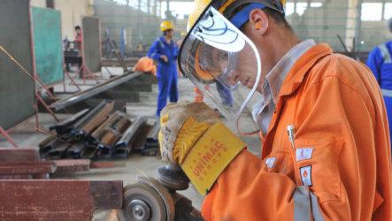 Что такое безопасные условия труда и как их обеспечить